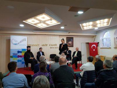 Podiumsdiskussion mit Karin Schnebel und Vertretern verschiedener Religionen